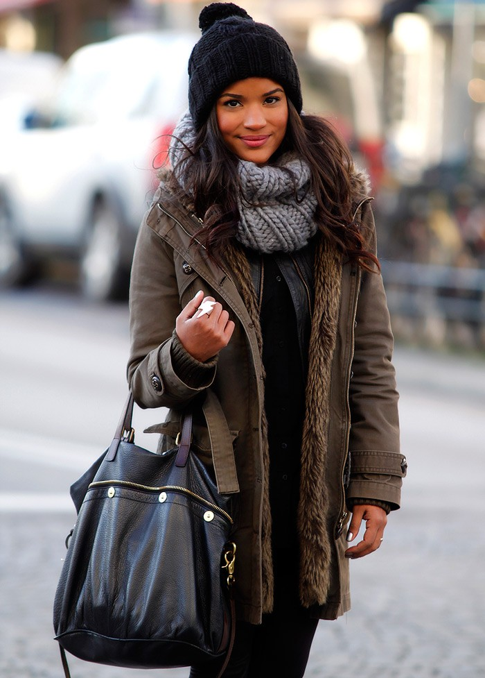 Как правильно носить хомут: серый в два слоя