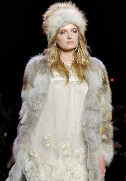 Какую шапку носить с курткой под светлый волос меховая светлая
