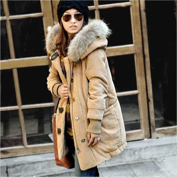 Какую шапку носить с курткой: под куртку с меховой опушкой черная крупная вязка