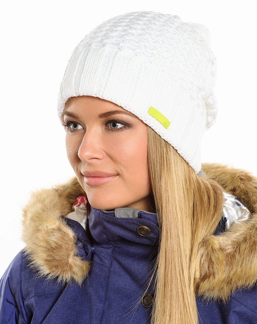 Какую шапку носить с курткой: белая облегающая