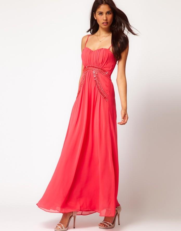 Коралловое платье с чем носить: платье на тонких лямках в пол
