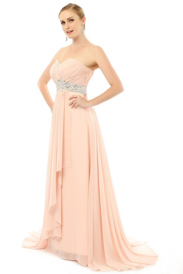 Коралловое платье с чем носить: длинное бюстье серебристый пояс