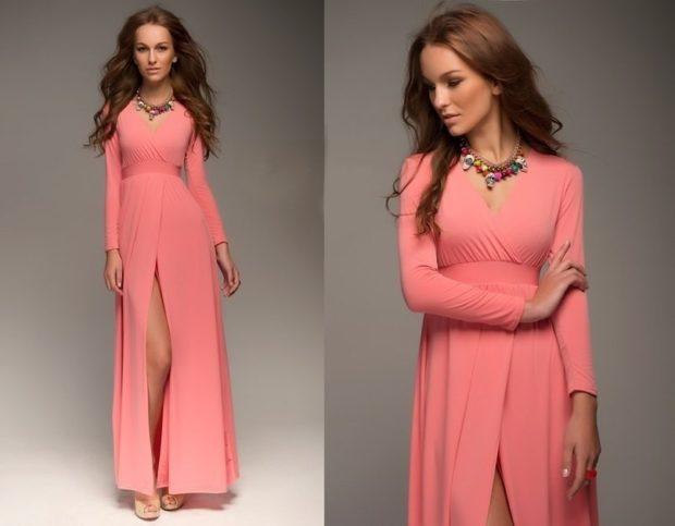 коралловые платья с чем носить: в пол с рукавом длинным под каблук объемные украшения