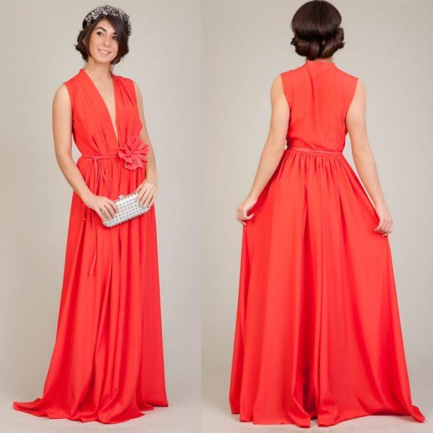 коралловые платья с чем носить: в пол с разрезом юбка пышная под украшения сумку серебристую