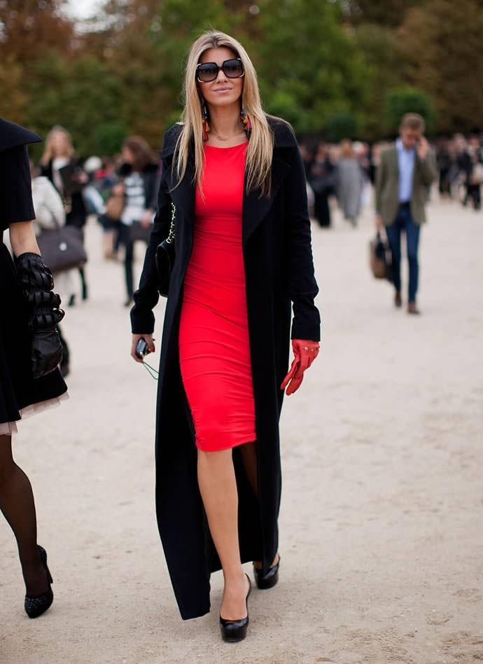 коралловые платья с чем носить: короткое по пальто черное
