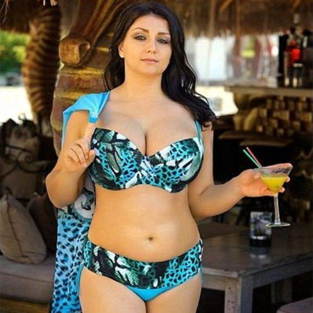 Купальники больших размеров для полных женщин: раздельный голубой в принт