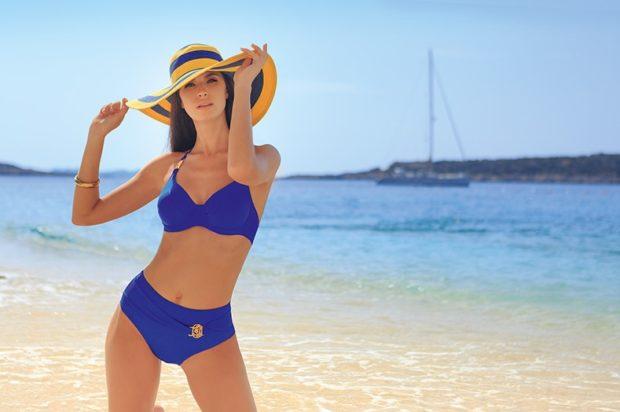 купальник 2022-2023 года модные тенденции фото синий раздельный