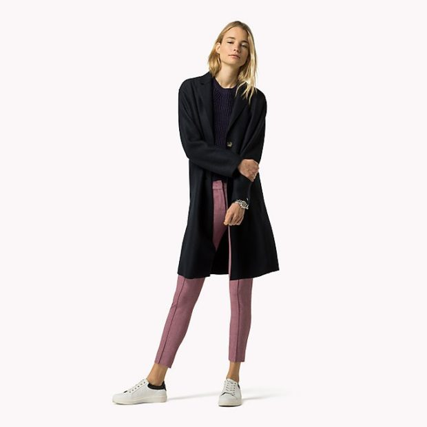пальто черное выше колено
