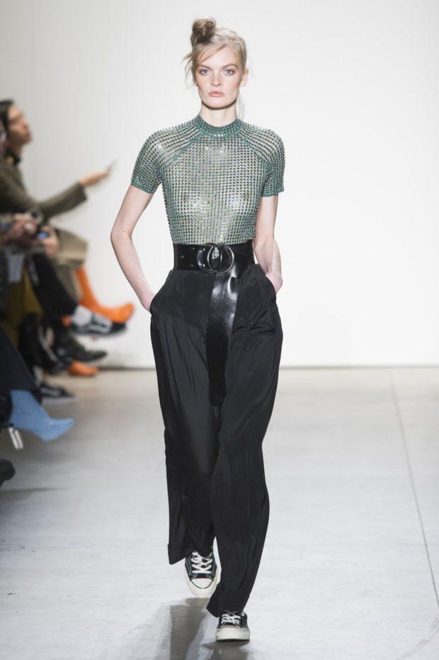 Луки с брюками и джинсами осень-зима 2019-2020: широкие черные