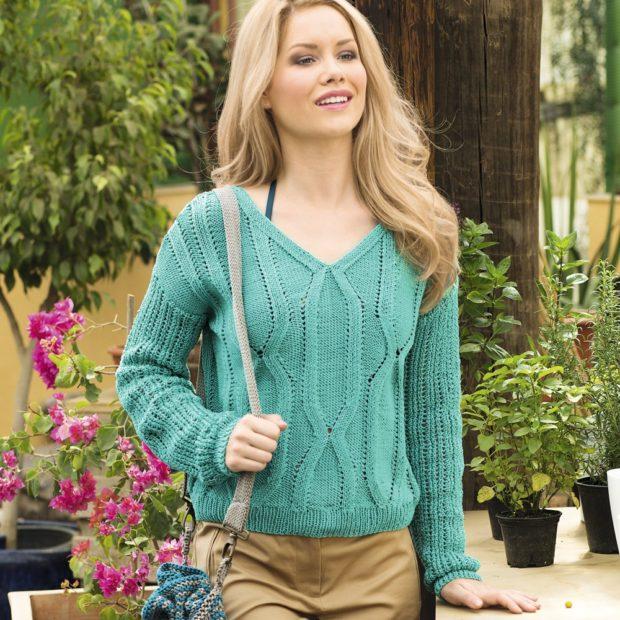 Луки осень-зима: свитер V-образный вырез