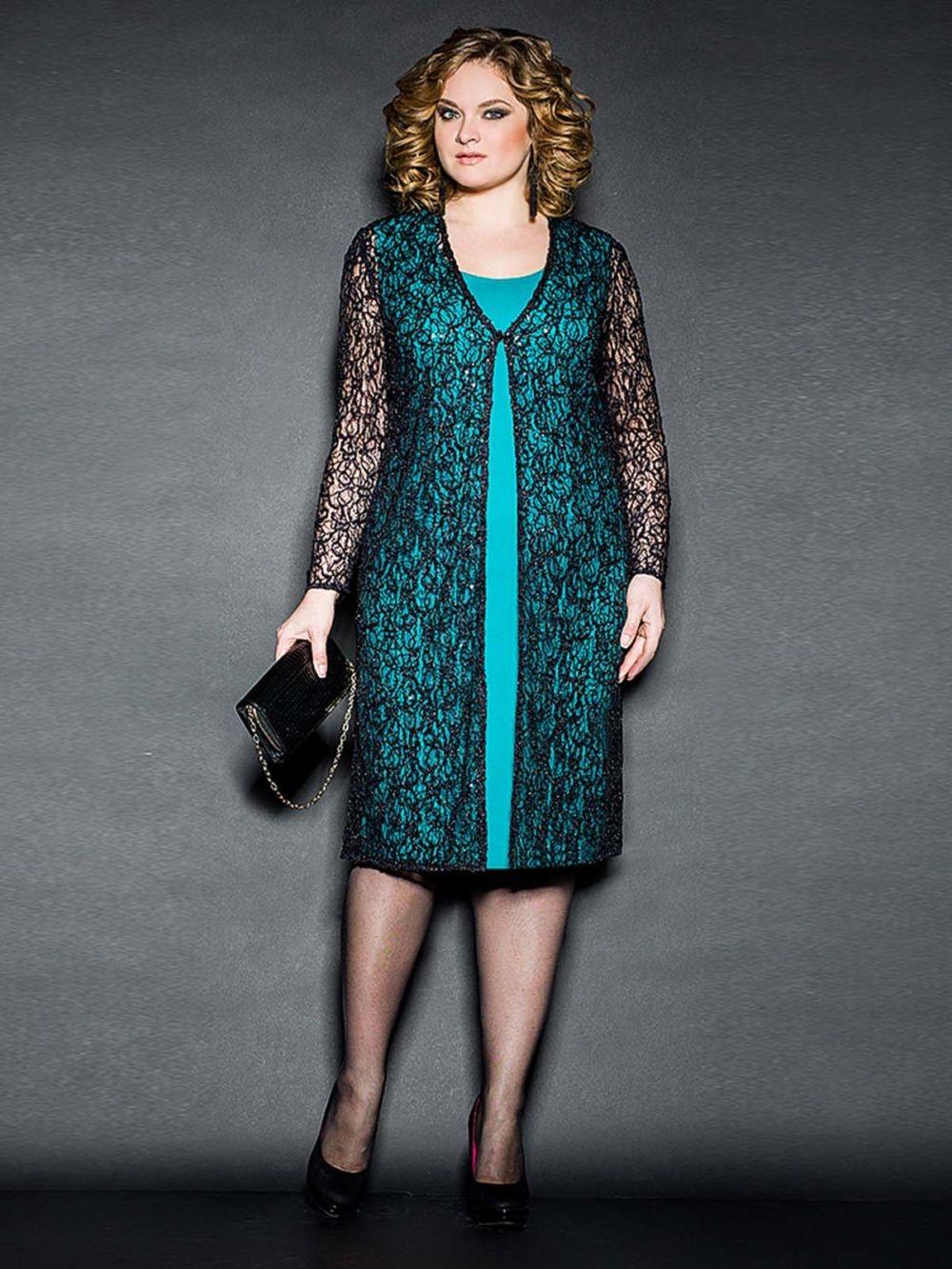 Мода для полных женщин 2018 фото за 40 лет: платье зеленое накидка черная