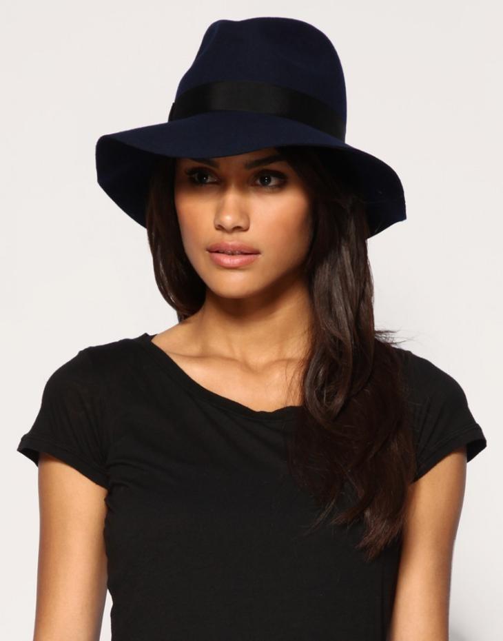 головные уборы на лето 2018: ковбойская шляпа темно-синяя