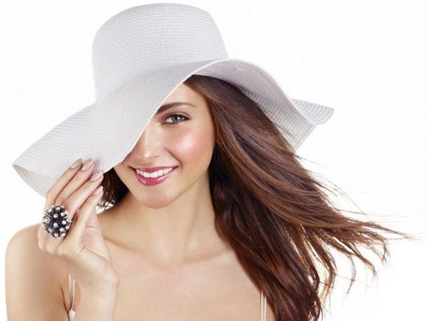 Модные головные уборы весна лето 2018: шляпа с полями белая