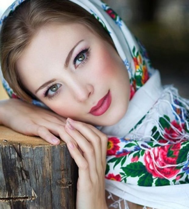 платок классический белый в цветы