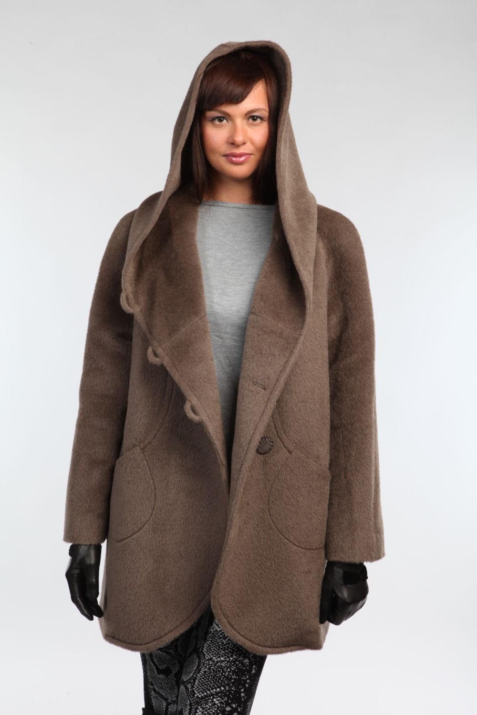 Модные образы весна 2019 на каждый день: пальто с капюшоном коричневое