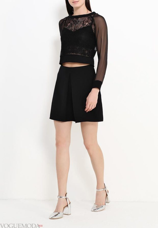 модные образы весна лето 2020: черная блузка, черная юбка