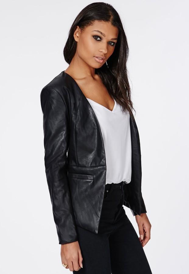 Модные образы весна 2020 на каждый день: кожаный пиджак серный