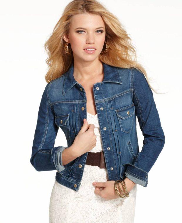 Модные образы весна 2020 на каждый день: джинсовый жакет синий