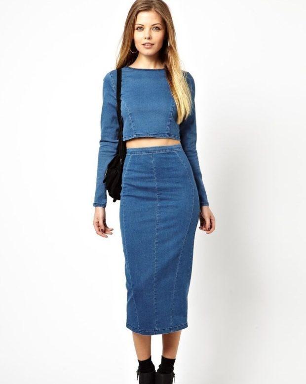 джинсовая юбка и кофта