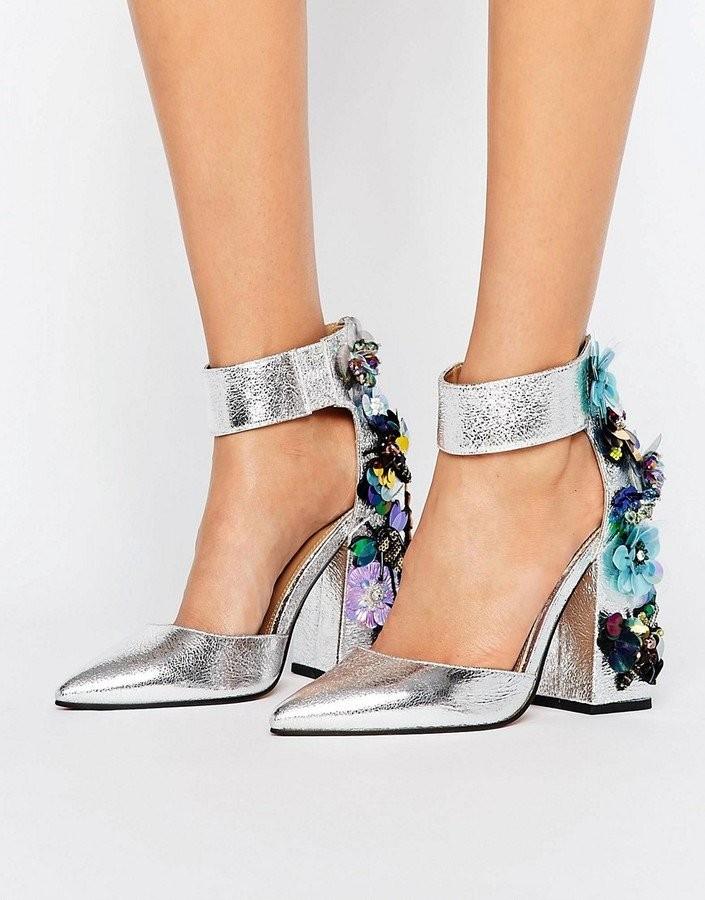 Модные туфли 2019 фото: серебристые каблук в цветы