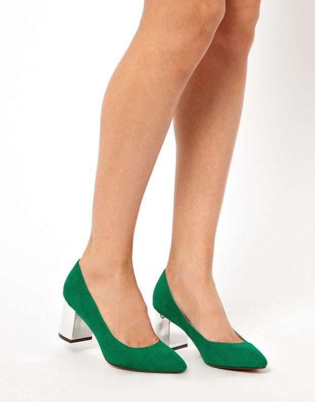 Модные туфли 2018-2019 фото: низкий каблук зеленые лодочки