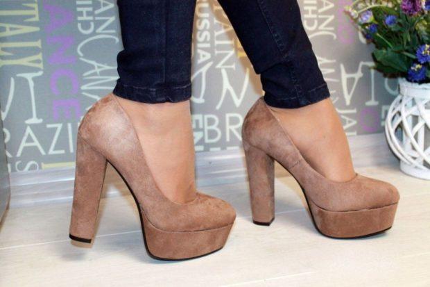 Модные туфли 2018-2019 фото: толстый каблук и платформа бежевая