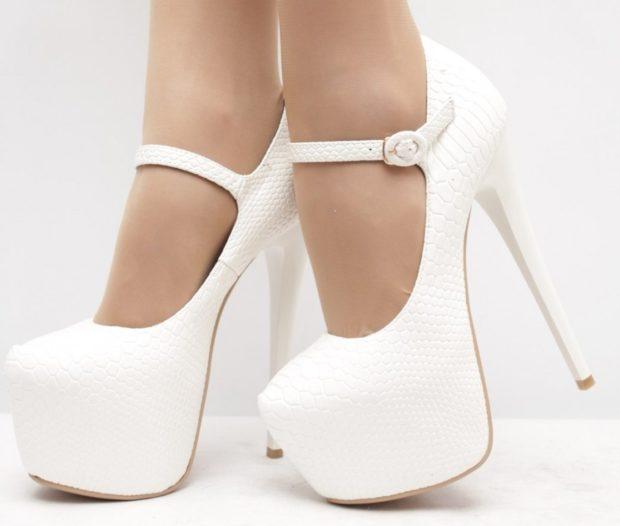 Модные туфли 2018-2019 фото: белые с застежками