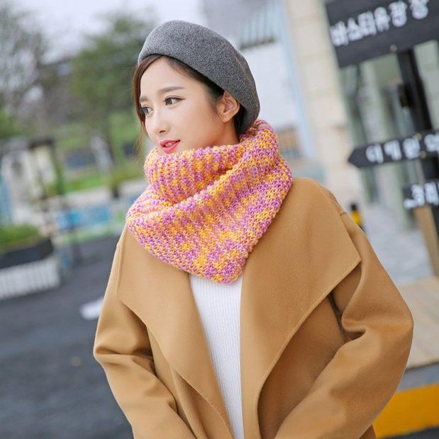 модный шарф 2018 2019: хомут цветной