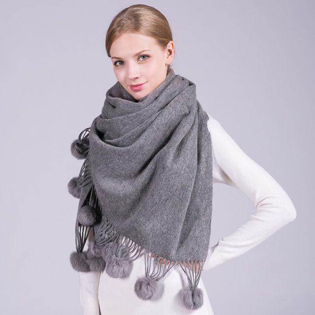 модный шарф 2018 2019: шерстяной шарф серый