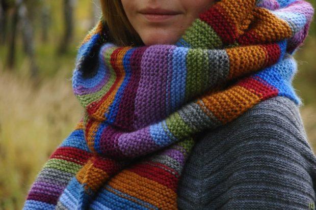 модный шарф 2018 2019: шарф огромный цветной