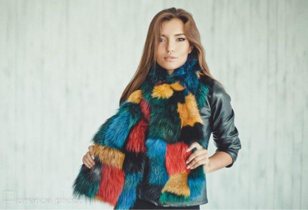 модный шарф 2018 2019: меховой цветной