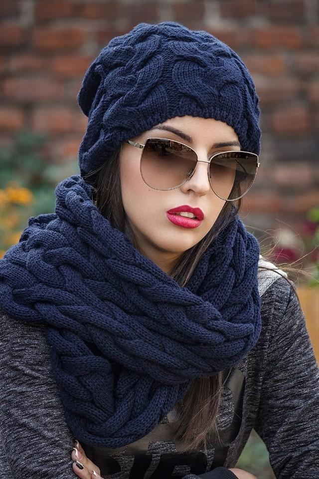 модный шарф 2018: хомут синий красивая вязка