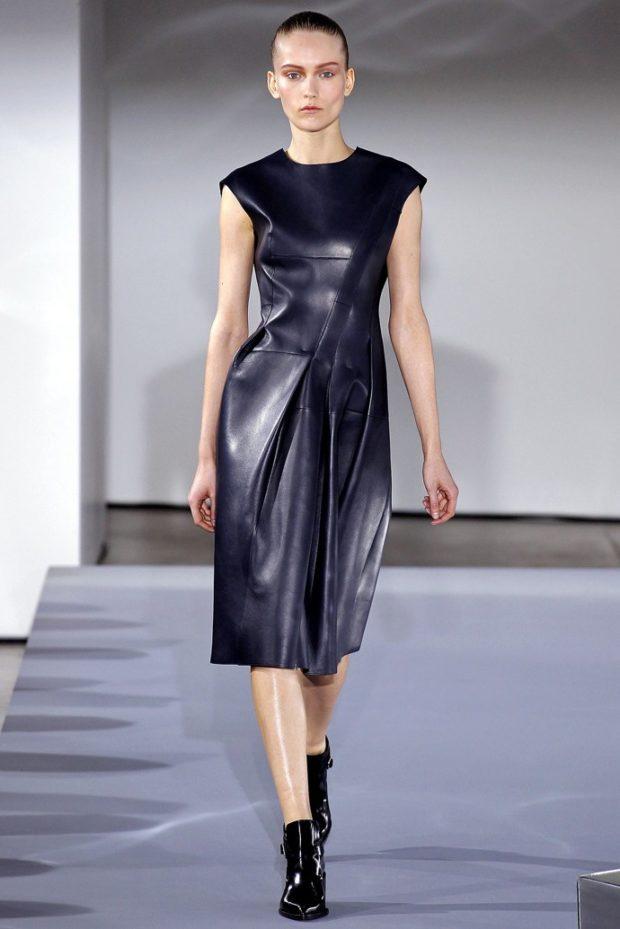 платья: кожаное миди без рукава черное приталенное