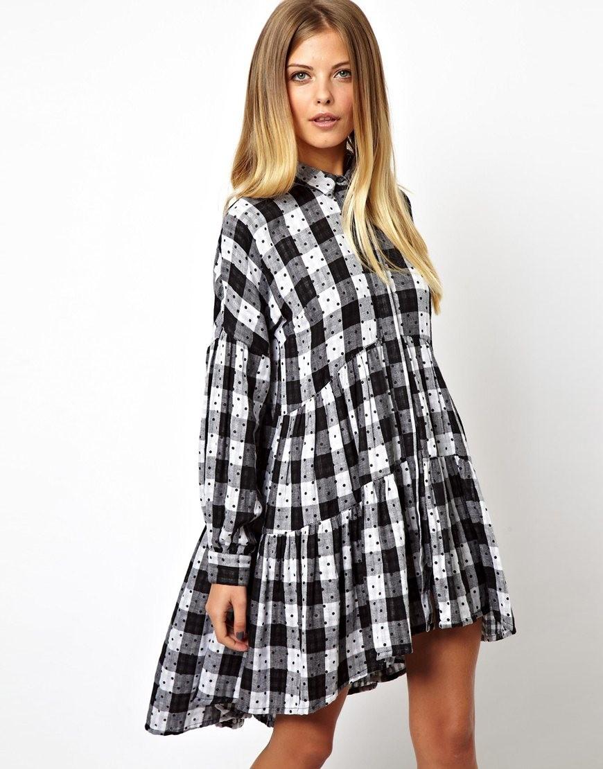 платья 2018: рубашка черно-белая с воланами