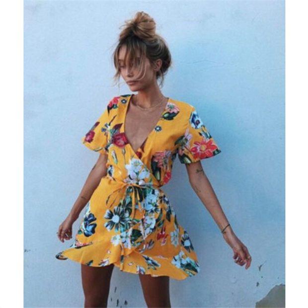 стильные платья 2018: халат короткое в цветы