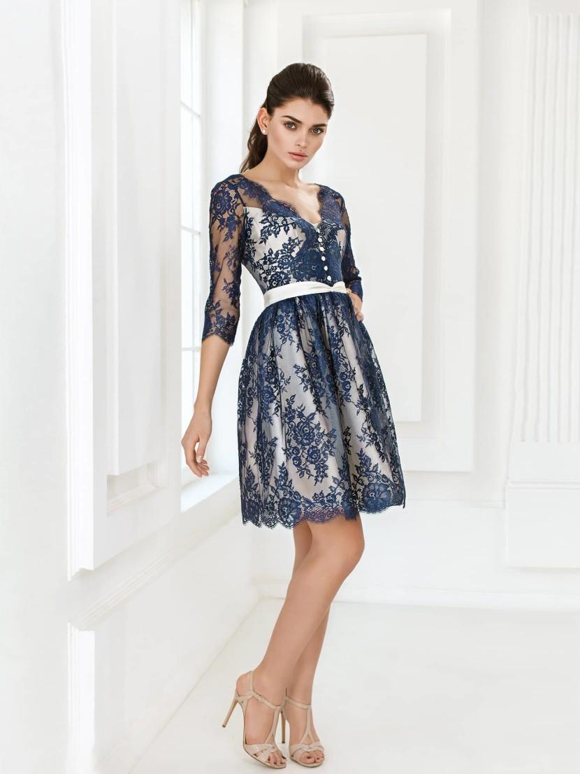 красивые платья на выпускной 9 класс самые красивые: платье синее кружевное короткое