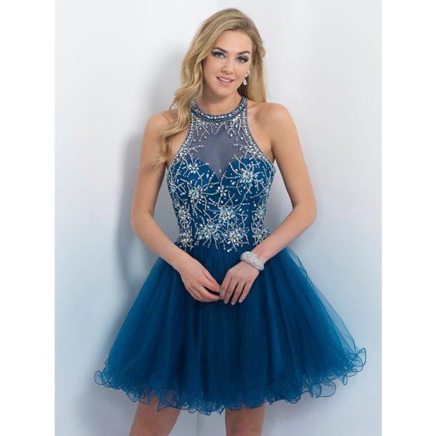 платья на выпускной 2018 2019 фото 9 класс: синее пышная юбка короткое