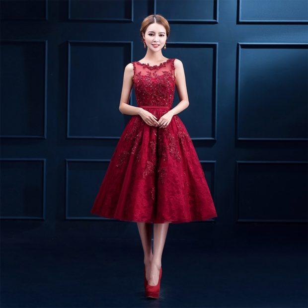 платья на выпускной 9 класс самые красивые: красное миди ажурное