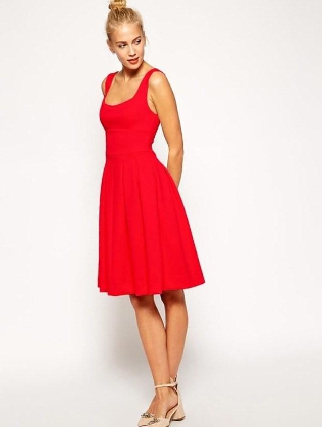 платья на выпускной 2018 2019 9 класс фото: красное миди без рукава