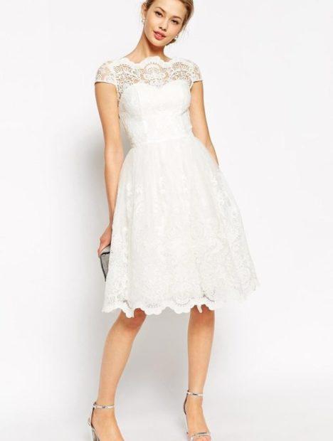 платья на выпускной 9 класс красивые: кружевное белое миди