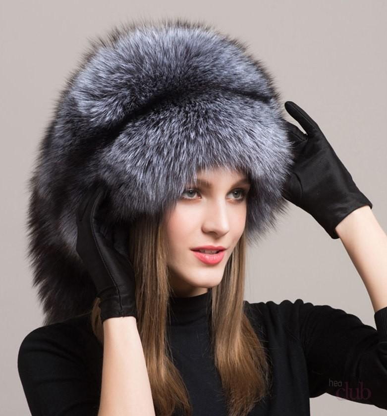 с чем носить пуховик до колена: с шапкой из меха серого