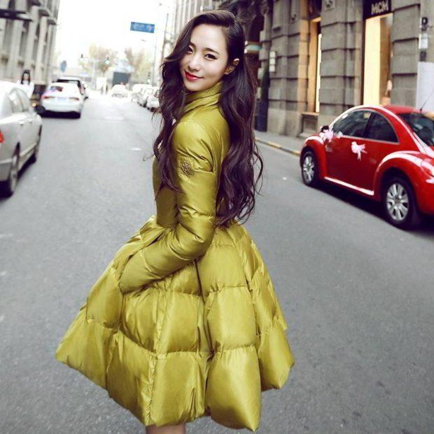 с чем носить пуховики до колена: пуховик-платье под платье