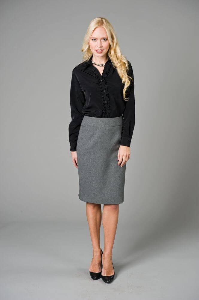 с чем носить серую юбку: юбка серая по колено черная блузка