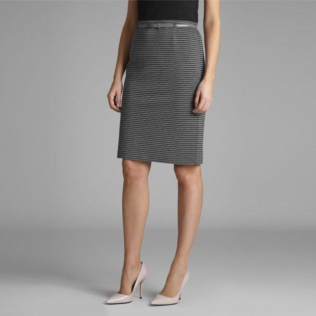 с чем носить серую юбку: классическая под классические туфли лодочки