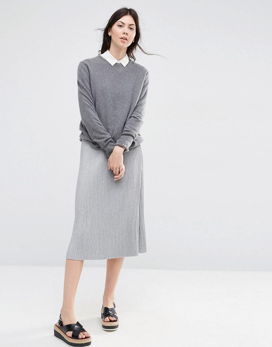 с чем носить серую юбку: серая юбка под серую юбку