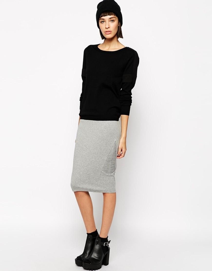 серая юбка с чем носить: карандаш по кофту черную