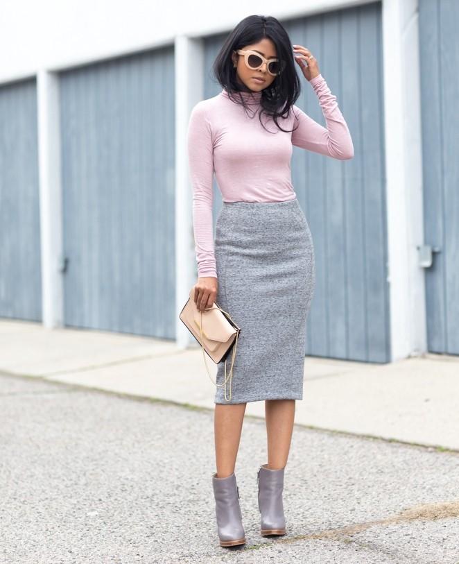 серая юбка с чем носить: карандаш под розовую кофту