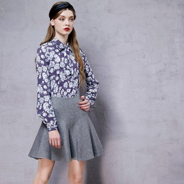 с чем носить серую юбку: шерстяная в складку под блузку в цветы