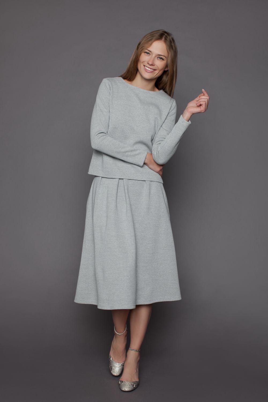 серая юбка с чем носить: по колено под кофту в тон
