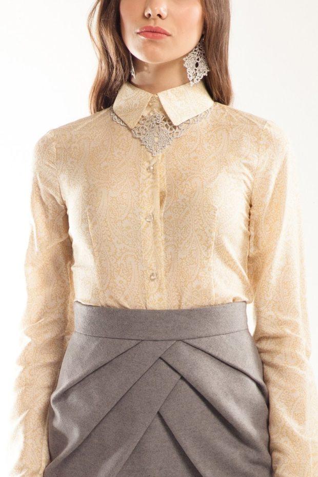 серая юбка с чем носить: под бежевую блузку